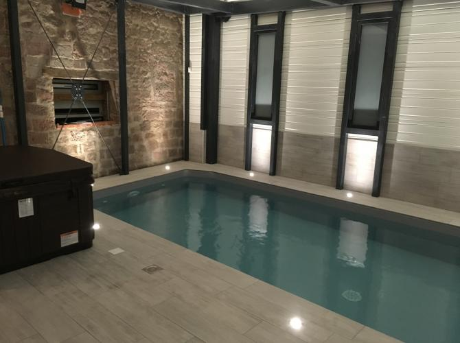 Magnifique endroit sans vis à vis piscine chauffée avec jacuzzi