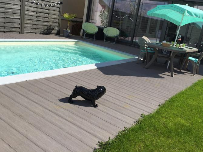Privatisation de piscine aux portes de Paris avec plancha pour une POOL PARTY