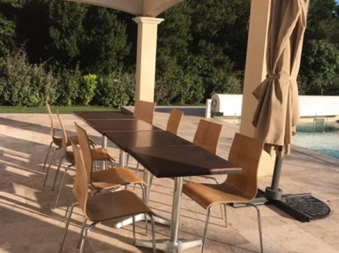 Belle piscine à Sorgues à 15 minutes d'Avignon