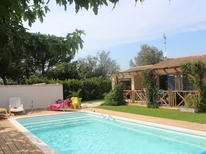Location piscine sans vis à vis près d'Arles