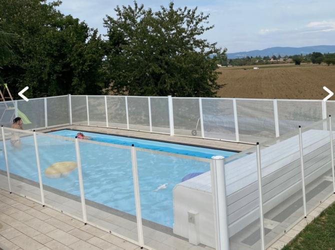Belle piscine chauffée et sécurisée à 30min de Lyon