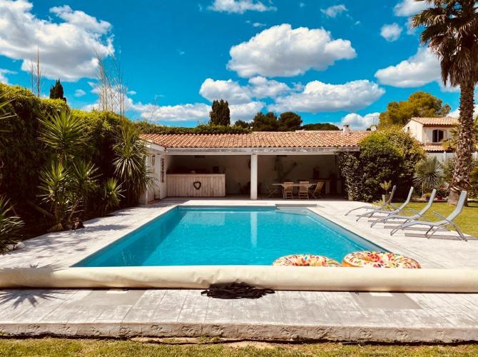 privatisation d'une superbe piscine à 20min de Montpellier
