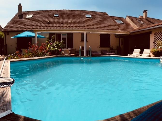 Location de piscine chauffée à 30 min de Paris et 5 min de Disney
