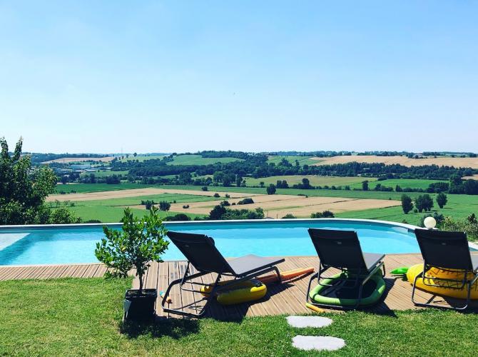 Piscine avec vue magnifique proche Toulouse.jpg