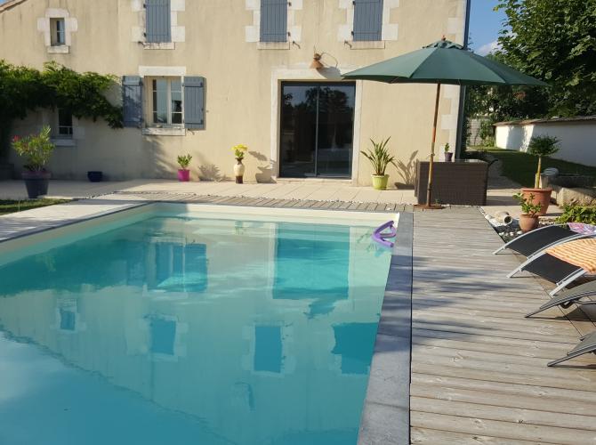 Loue piscine chauffée dans le Marais Poitevin