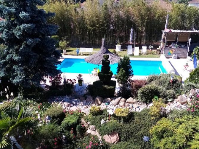 belle piscine Malby