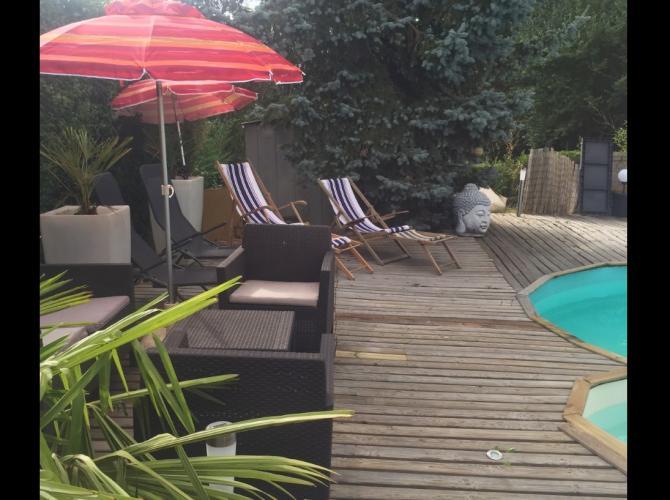 Piscine en pleine Normandie à 40 min de Rouen et Evreux