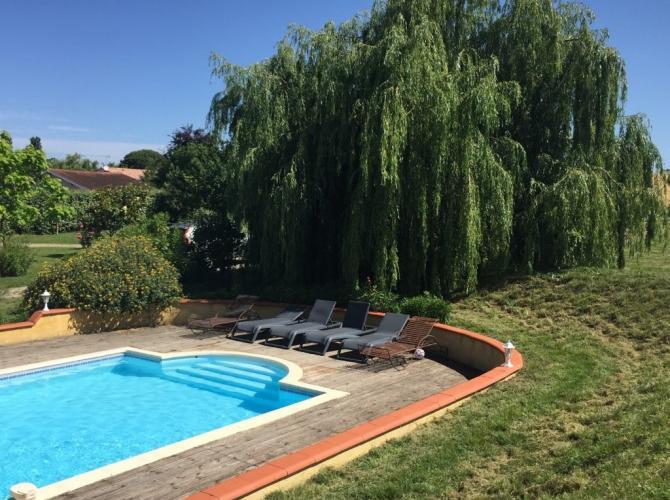 Belle piscine équipée entre Revel et Castres.jpg