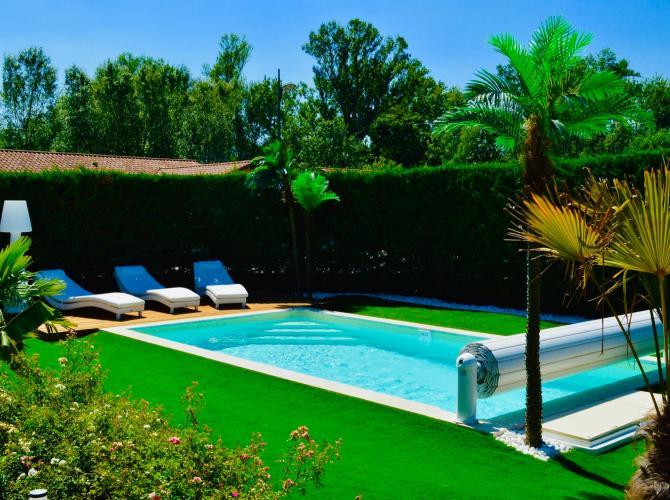Magnifique piscine à louer