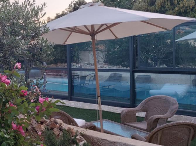 Belle piscine à privatiser