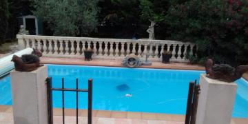Belle piscine à Rognac (30km de Marseille)