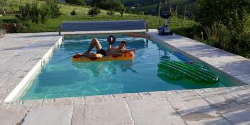 Belle piscine au milieu des vignes à 25km de Lyon