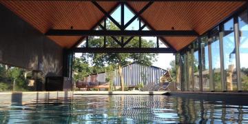 Magnifique piscine intérieure chauffée